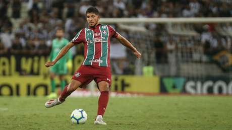 Yuri venceu a disputa com Hudson pela posição (Foto: Lucas Merçon/Fluminense)