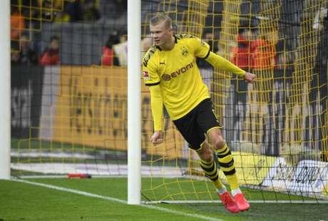 Haaland tem sido grande destaque do Borussia Dortmund em 2020 (INA FASSBENDER / AFP)