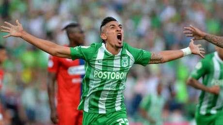 Daniel Muñoz é desejado pelo Palmeiras, mas o Atlético deseja mantê-lo (Foto: Divulgação/Atl. Nacional)