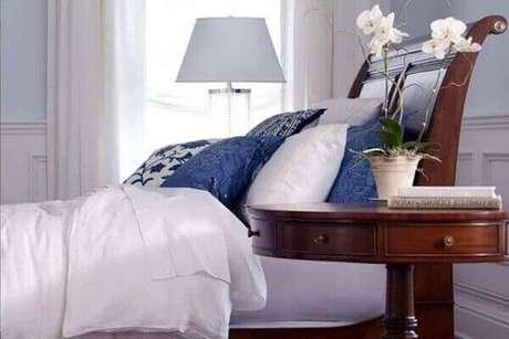 20 – Como cuidar de orquídea branca em quarto.