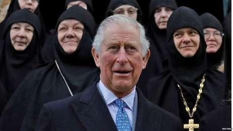 """Durante sua visita ao Oriente Médio, o príncipe Charles alertou que as lições do Holocausto permanecem """"extremamente relevantes"""""""