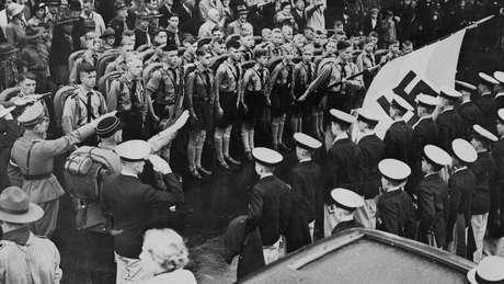 As quatro filhas dos príncipes da Grécia e da Dinamarca se relacionavam com nobres ou militares do movimento nazista na Alemanha