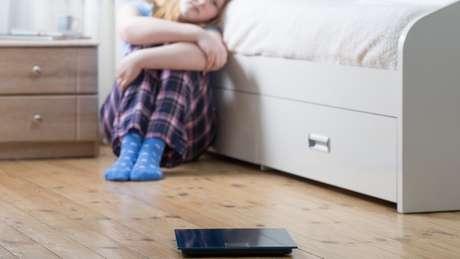 Ao reforçar o valor do físico nas campanhas publicitárias, as crianças podem desenvolver distúrbios alimentares, como anorexia e bulimia.