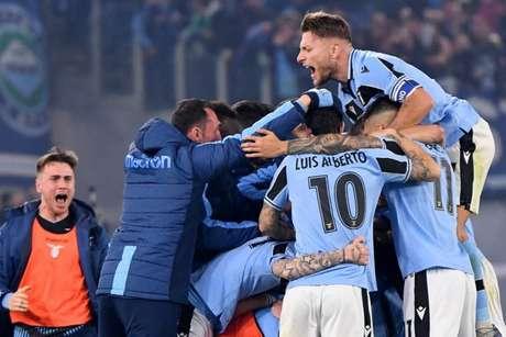 Lazio celebra vitória decisiva na briga pelo título (Foto: AFP)