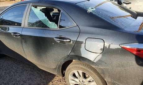 Imagem do carro após atentado.