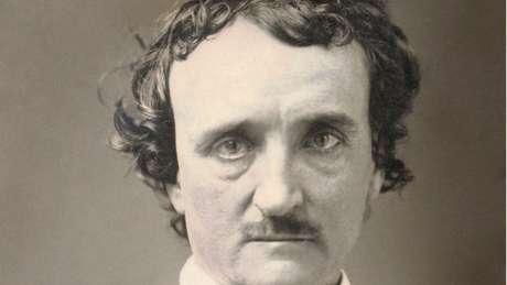 Um dos primeiros escritores americanos de contos, Edgar Allan Poe é considerado o inventor do gênero ficção policial — e, por que não, um profeta
