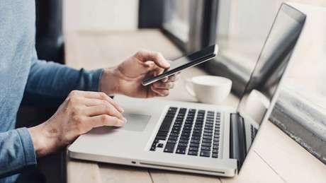 Segundo uma pesquisa com usuários de Internet, apenas 15% acham que laptop é o dispositivo mais importante, comparado com 66% em relação ao smartphone