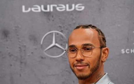 Lewis Hamilton foi um dos destaques do Prêmio Laureus (Foto: Tobias SCHWARZ / AFP)