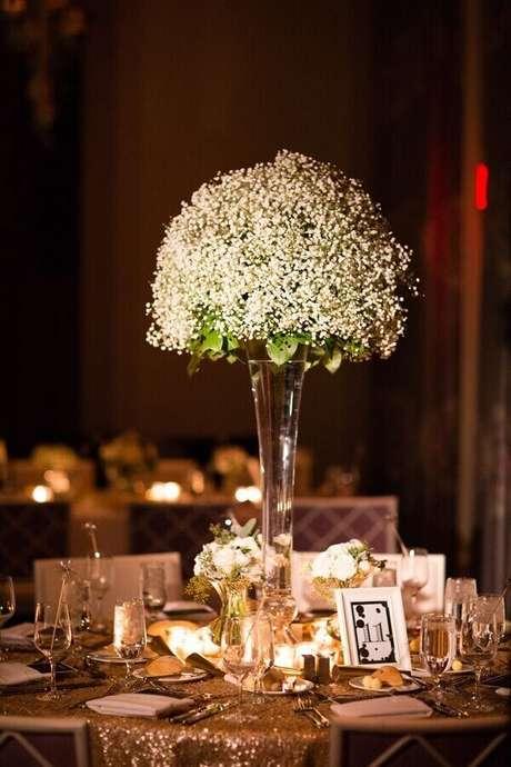 18. Decoração luxuosa feita com flor mosquitinho. Fonte: Salve a Noiva