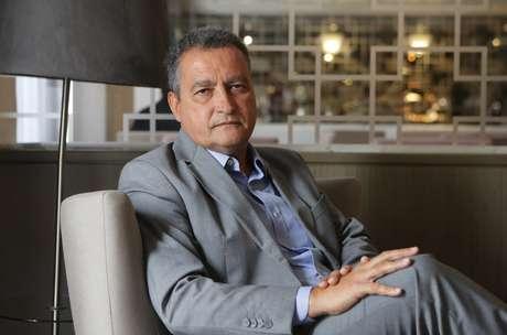 Retrato de Rui Costa, governador da Bahia pelo PT durante entrevista em São Paulo
