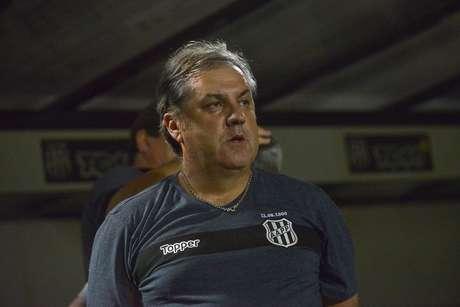 Gilson Kleina não é mair o treinador da Ponte Preta (Foto: Divulgação/Álvaro Júnior)