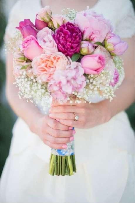31. Buquê misturadinho feito com diversas flores. Fonte: Pinterest
