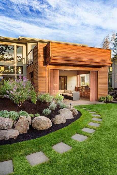9. Decoração com pedras grandes para jardim residencial – Foto: Getty Images