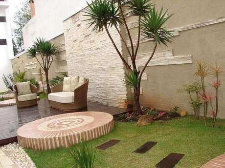 11. Jardins residenciais modernos precisam de móveis bonitos e confortáveis – Foto: Pinterest