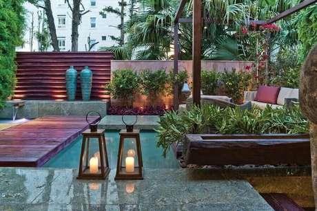 16. A iluminação de jardim residencial garantem um toque mais charmoso – Foto: Artefacto