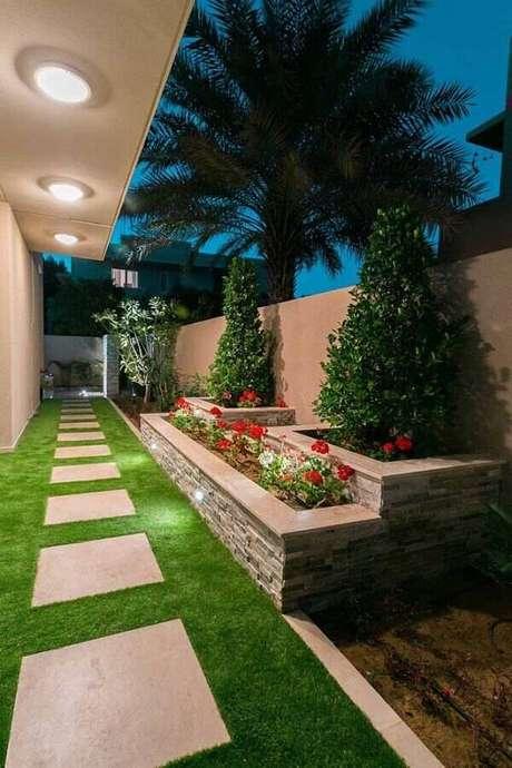 20. Invista em um bom projeto de iluminação para o seu jardim residencial – Foto: Pinterest