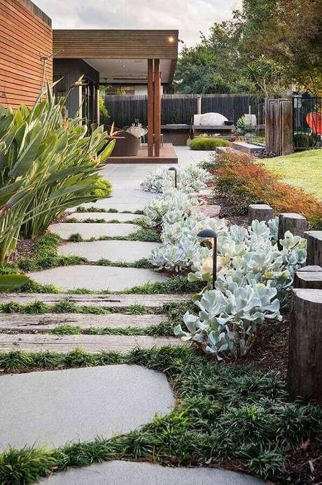 modelo de jardim residencial grande Foto COS Design
