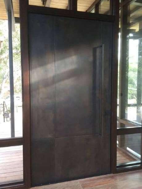 20. Modelo de porta de ferro – Foto: Pinterest