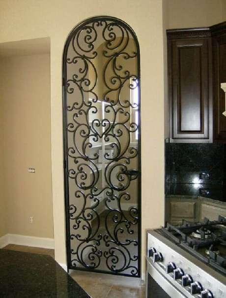31. Grade de ferro para porta de vidro – Foto: Revista VD