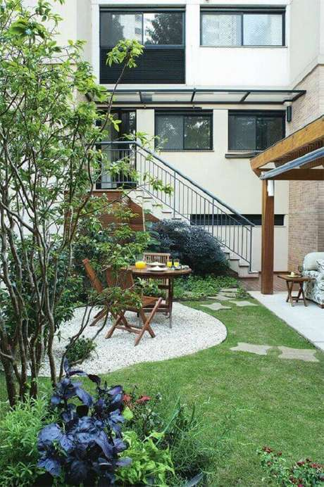 1. To enhance your property invest in a residential garden - Photo: Dcore Você