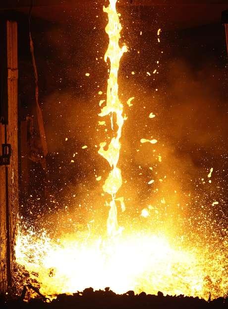 Produção de aço em usina da Gerdau. 30/3/2013. REUTERS/David McNew