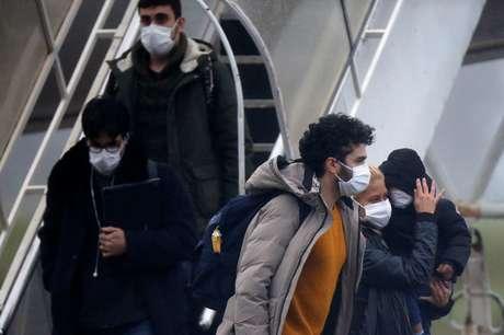 Brasileiros vindos da China chegam na base aérea de Anápolis 09/02/2020 REUTERS/Adriano Machado