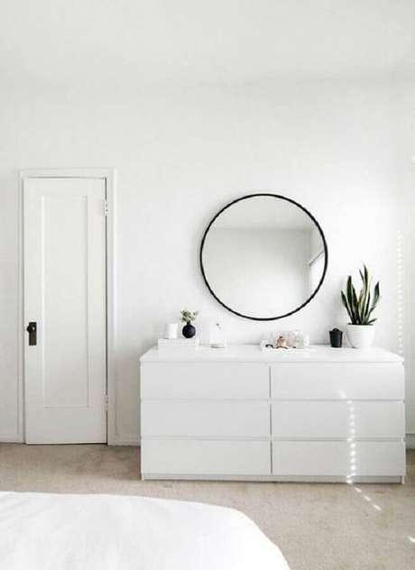 8. Escolha uma cômoda branca quarto com design que combine com o estilo de decoração do ambiente – Foto: My Amazing Things