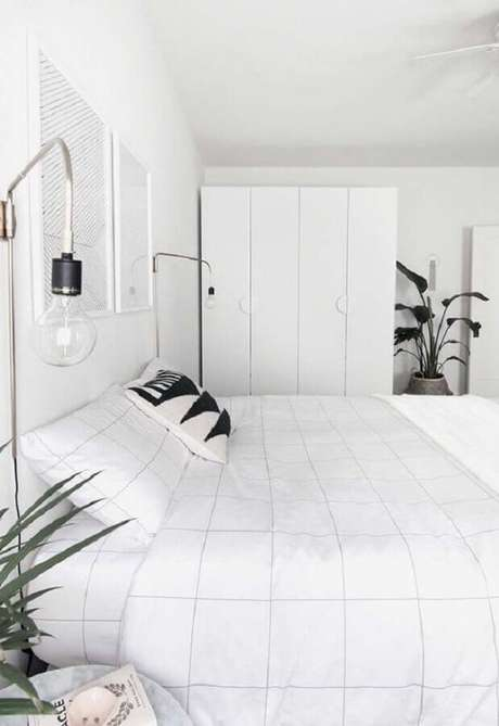 1. A decoração de quarto branco é um clássico – Foto: HomeyLife