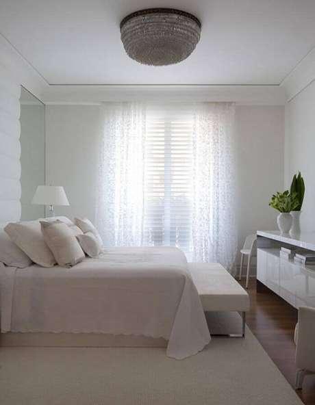 27. Decoração para quarto branco neutro – Foto: Roberto Migotto