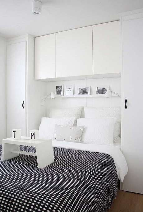 29. Decoração para quarto branco planejado – Foto: Neu dekoration stile