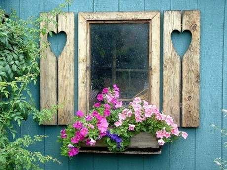 65. Floreira de janela – Via: Pinterest