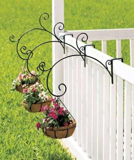72. Flores no jardim – Via: Casa e Construção