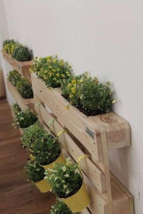 12. Floreiras de pallet em casa – Via: Pinterest
