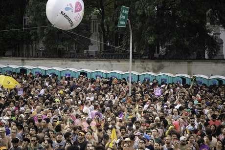 Banheiros químicos disponíveis durante o desfile do bloco Acadêmicos do Baixo Augusta, no pré-Carnaval de 2020, na rua da Consolação, região central de São Paulo, no último domingo (16/02/2020)