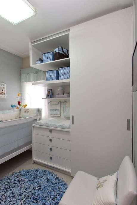 48. Móveis planejados para quarto de bebê branco – Foto: Orlane Santos
