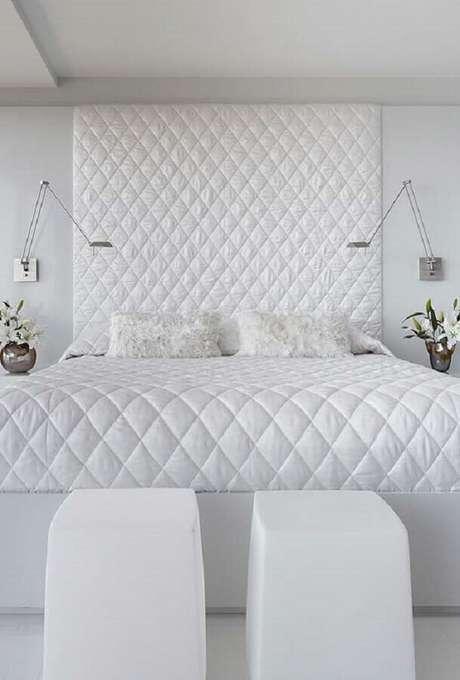 3. É possível ter um quarto branco bonito e bem aconchegante – Foto: Neu dekoration stile