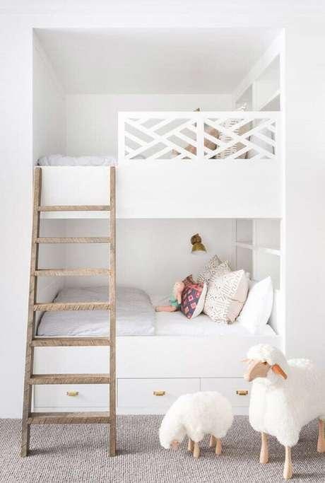 65. Quarto branco planejado infantil – Foto: Pinterest