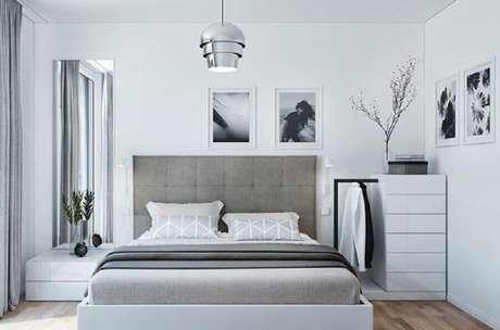 68. Quarto cinza e branco com decoração neutra – Foto: Ideas Decor