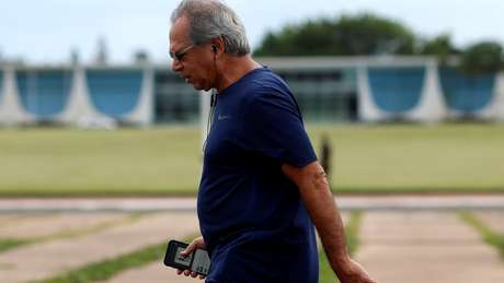Declaração do presidente Jair Bolsonaro despertou imediatamente especulações sobre futuro do ministro Paulo Guedes no governo