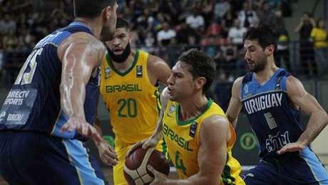 Brasil derrota o Uruguai na estreia nas Eliminatórias da Copa América Masculina de Basquete