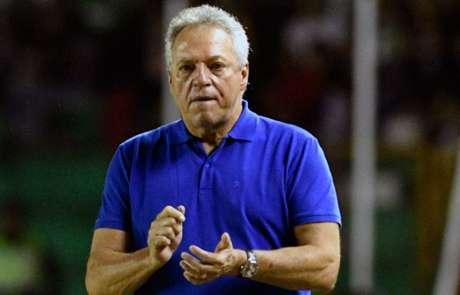 Abel Braga, treinador da equipe do Vasco (Foto: AIZAR RALDES / AFP)