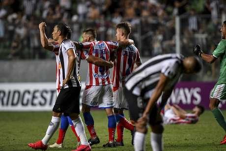 Atlético-MG é eliminado da Sul-Americana.