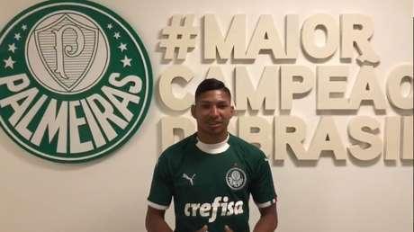 Rony acertou com o Palmeiras por cinco temporadas e custou aproximadamente R$ 28 milhões (Reprodução/Twitter)