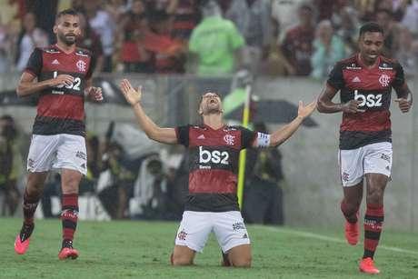 Diego, do Flamengo, comemora seu gol em partida contra o Boavista válida pela final da Taça Guanabara 2020, realizada no Estádio Mario Filho (Maracanã), neste sábado (22)