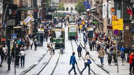 """""""É possível ter social-democracia e capitalismo ao mesmo tempo"""", afirma autora finlandesa-americana"""