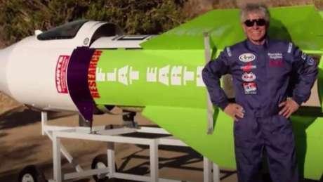 """""""Mad"""" Mike Hughes, 64, era conhecido por defender que a """"Terra é plana"""" e pretendia lançar o próprio foguete supostamente para provar sua teoria"""