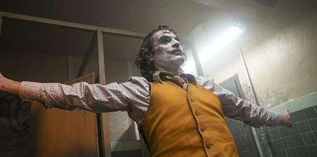 Arthur vira Coringa na sequência de poesia e terror vista no aclamado filme estrelado por Joaquin Phoenix
