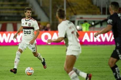Rodrigo Caio também se lesionou contra o Independiente del Valle e pode desfalcar o Flamengo na decisão da Recopa Sul-Americana (Foto: Divulgação/Alexandre Vidal)