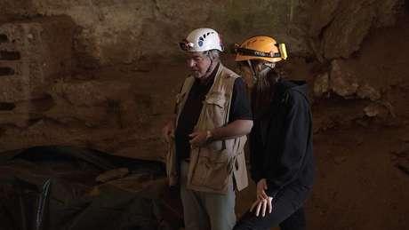 Clive Finlayson, diretor de arqueologia do Museu de Gibraltar, diz que os neandertais poderiam ter prosperado na caverna de Gorham