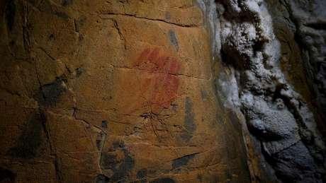 Pinturas rupestres encontradas na Espanha foram criadas 20 mil antes da chegada dos humanos modernos à Europa, possivelmente por neandertais